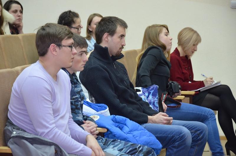 В ряды добровольной народной дружины вступают студенты Бийска